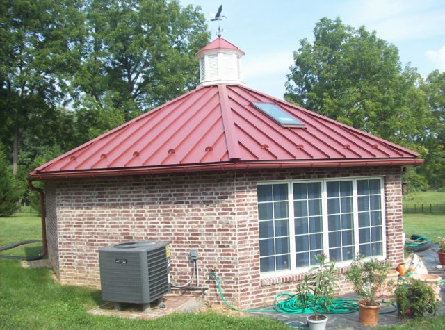 Fighting Heat: Why Pick Metal for Roofing in Lancaster, PA Homes?