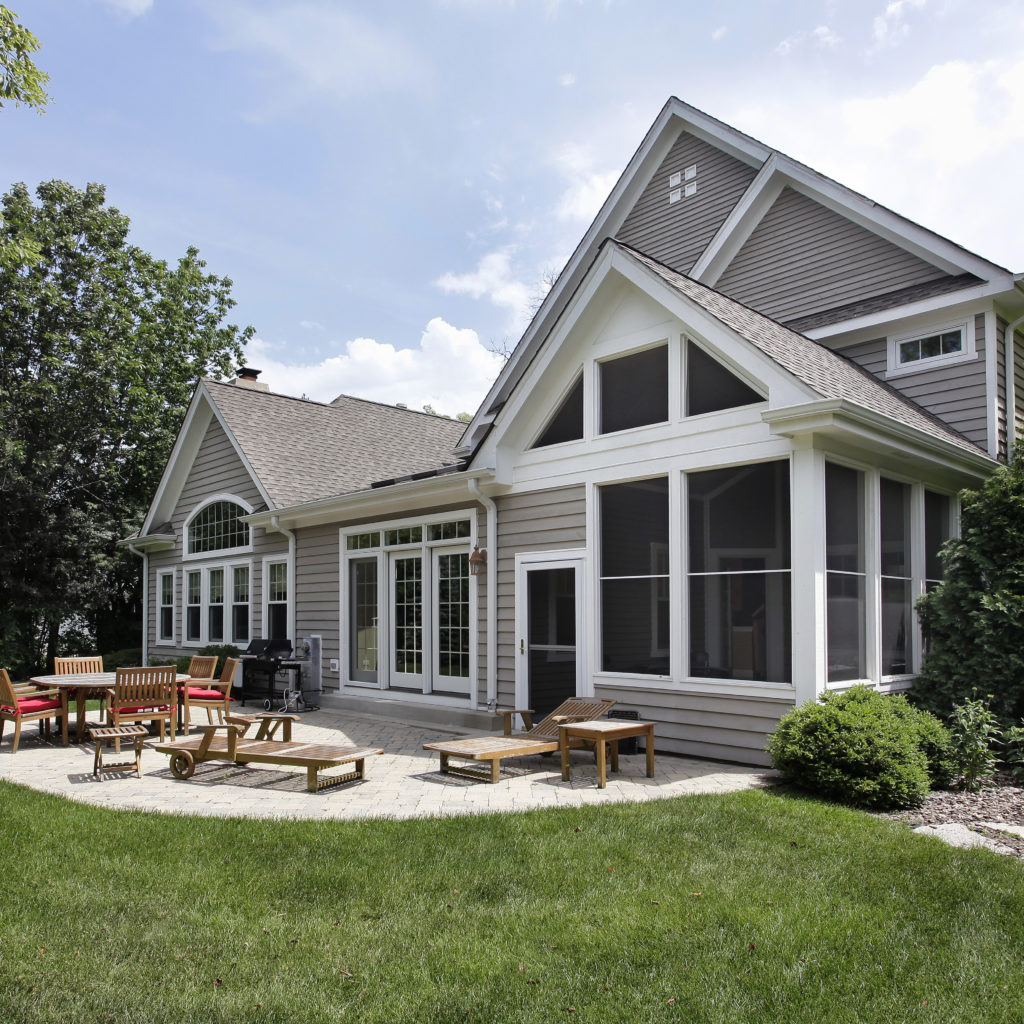 Explore the Many Benefits of Composite Siding